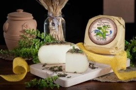 PECORINO CHEESE MATURED IN LEMON BALM - Caseificio Val d'Orcia